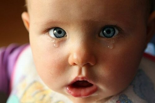 По какой причине плачут по ночам младенцы?