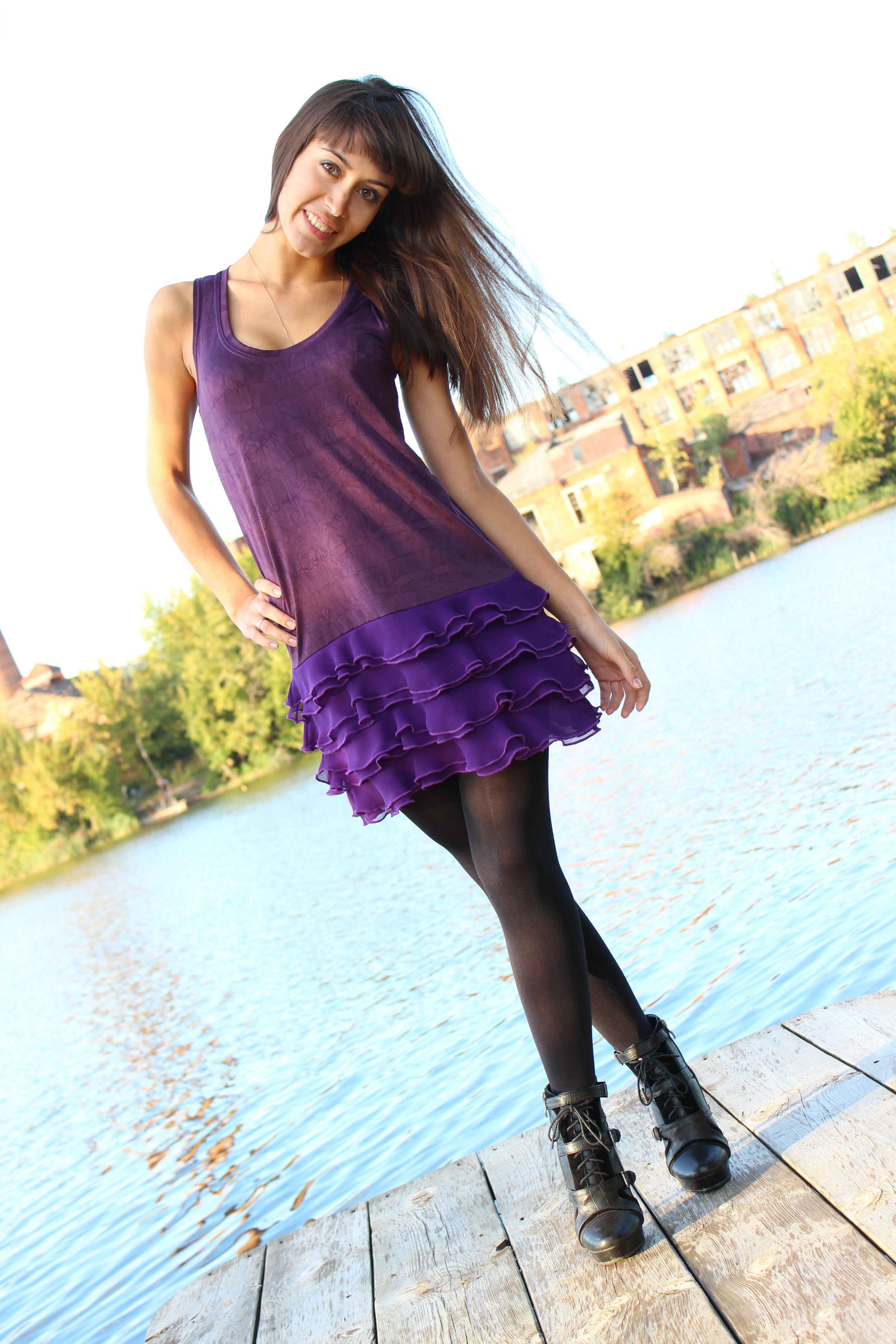 Фото девушек в юбке на каблуках 8 фотография