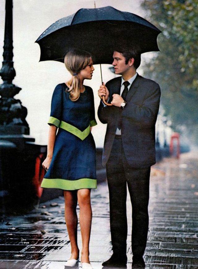 17. Стильная пара под дождем
