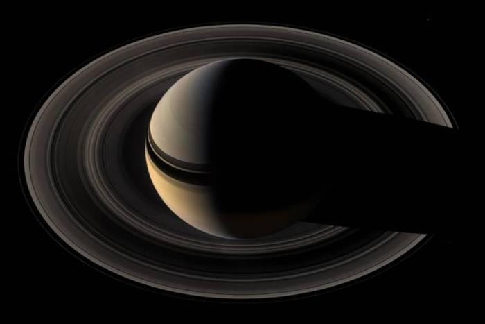 Снимки Сатурна аппаратом Cassini