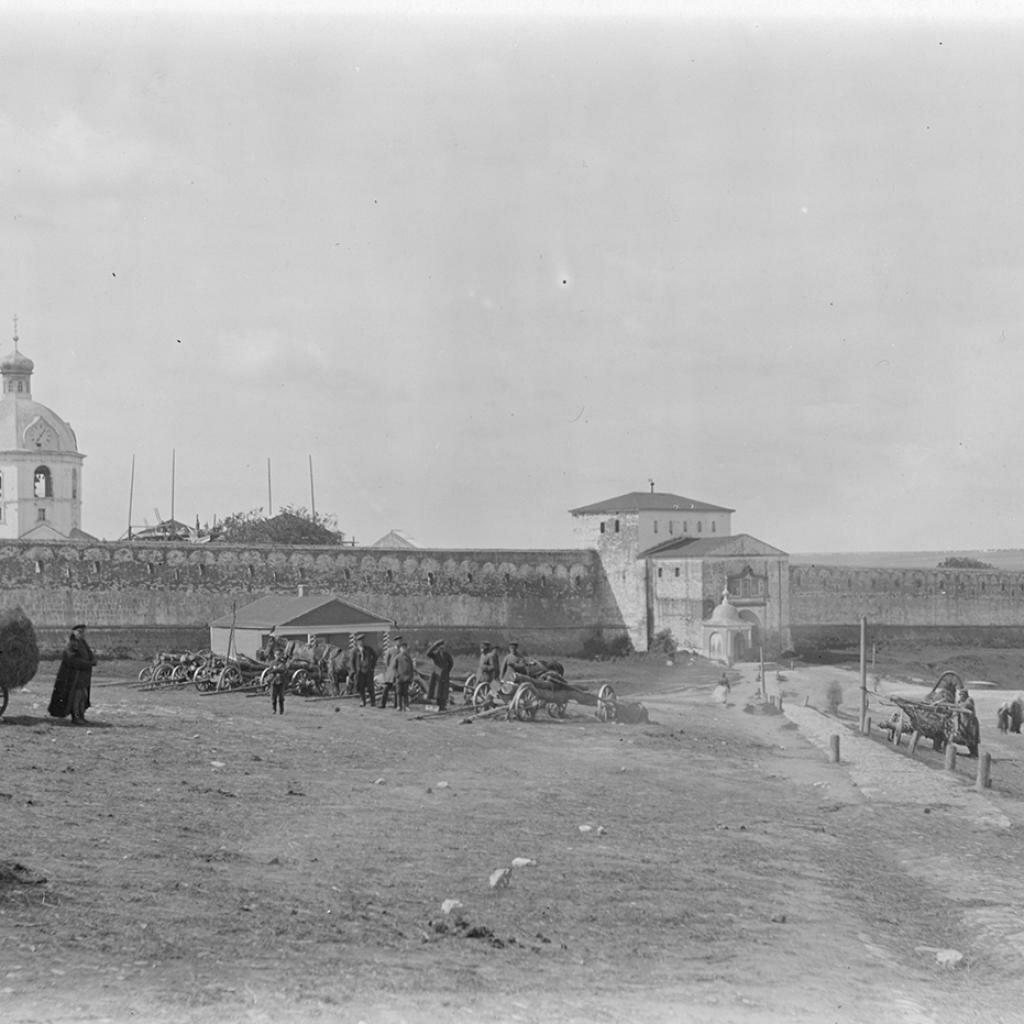 Вид Кремля и торг у Никольской башни