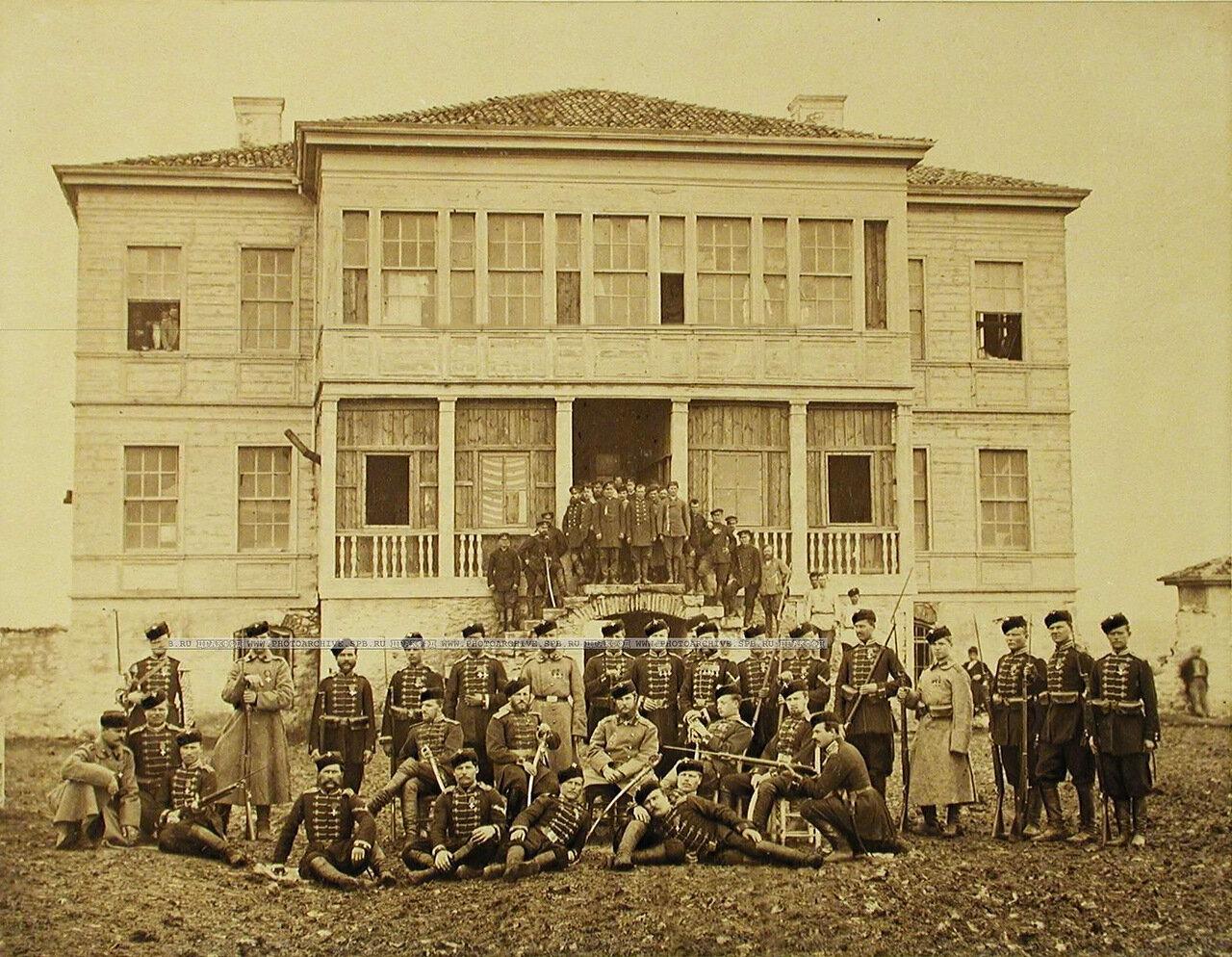 24. Группа офицеров и солдат Лейб-гвардии 4-го Стрелкового батальона (императорской фамилии). Турция. Константинополь