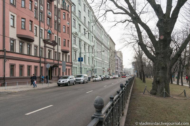 Пушкинский дуб на Тверском бульваре
