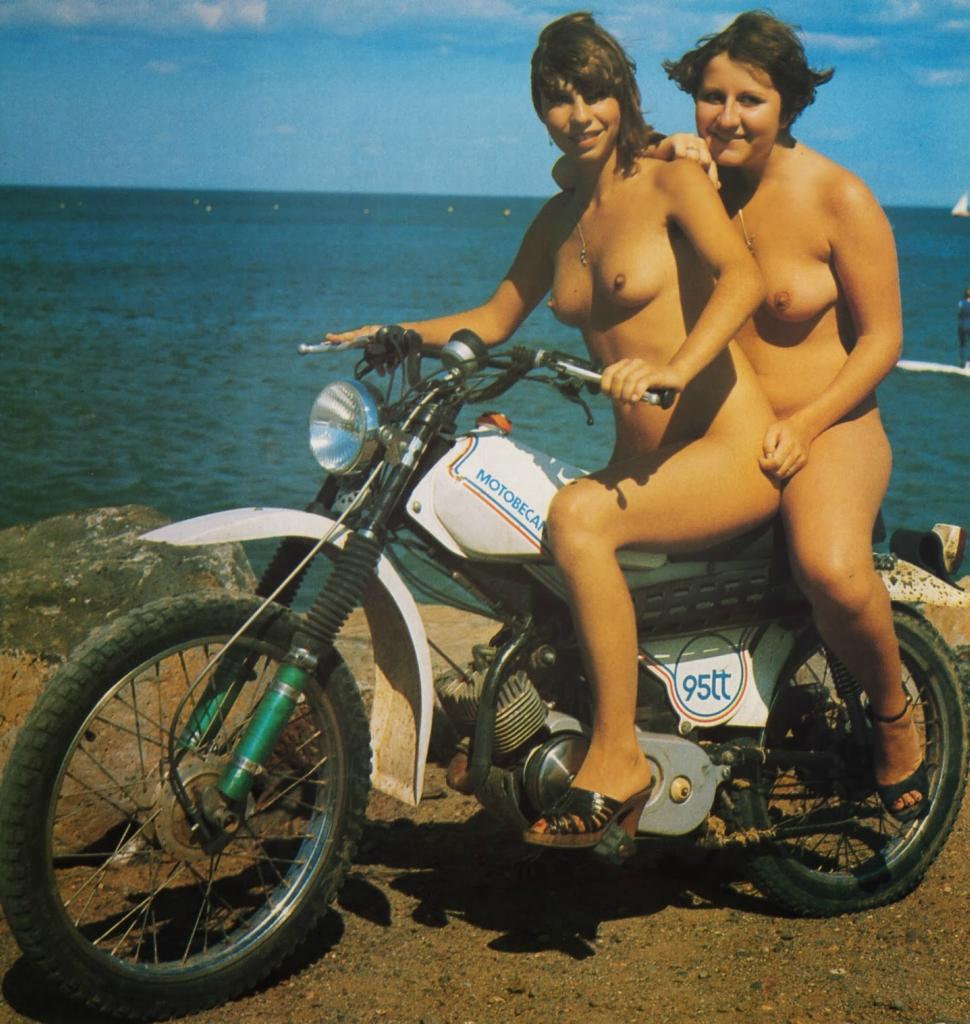 Эротика на мотоциклах, эротика лесби видео жесткий оргазм на массаже