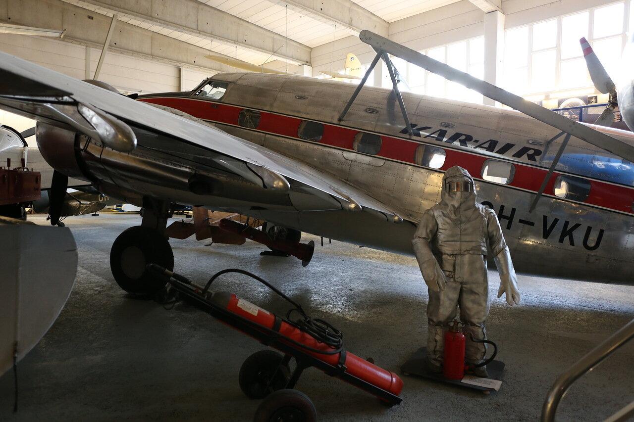 Finnish Aviation Museum.Авиамузей Хельсинки-Вантаа. Зал гражданской авиации. Lockheed 18-07 Lodestar