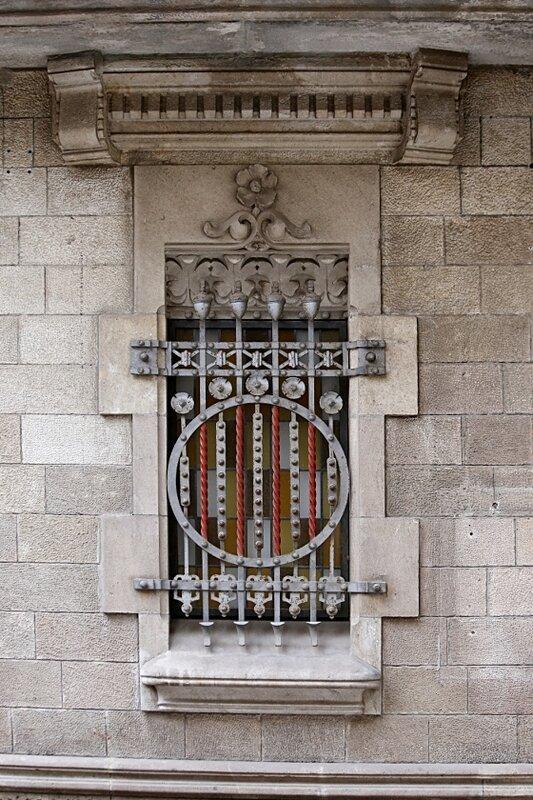Барселонета. Жилой дом в стиле эклектики