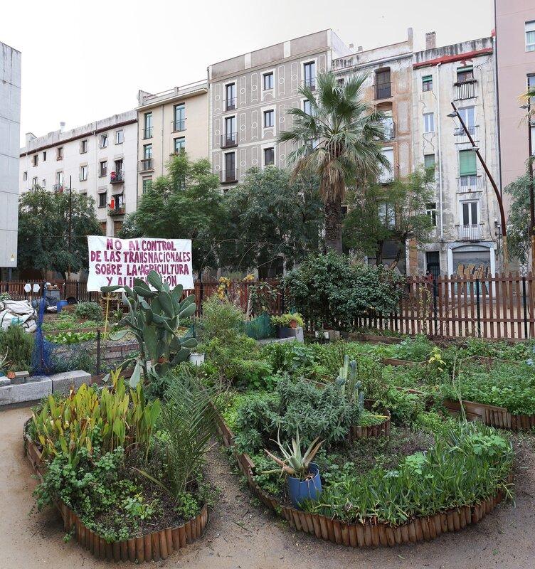 Barcelona. Square Hole of shame (El Forat de la Vergonya, Jardins del Pou de la Figuera)