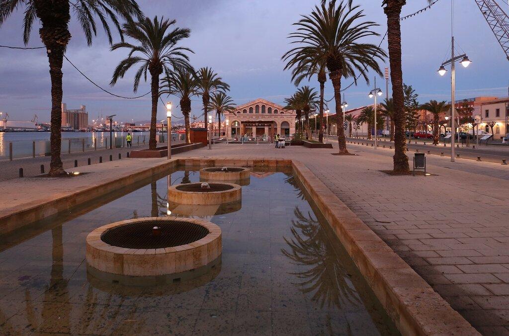 Tarragona. The promenade Moll de la Costa. Tarragona