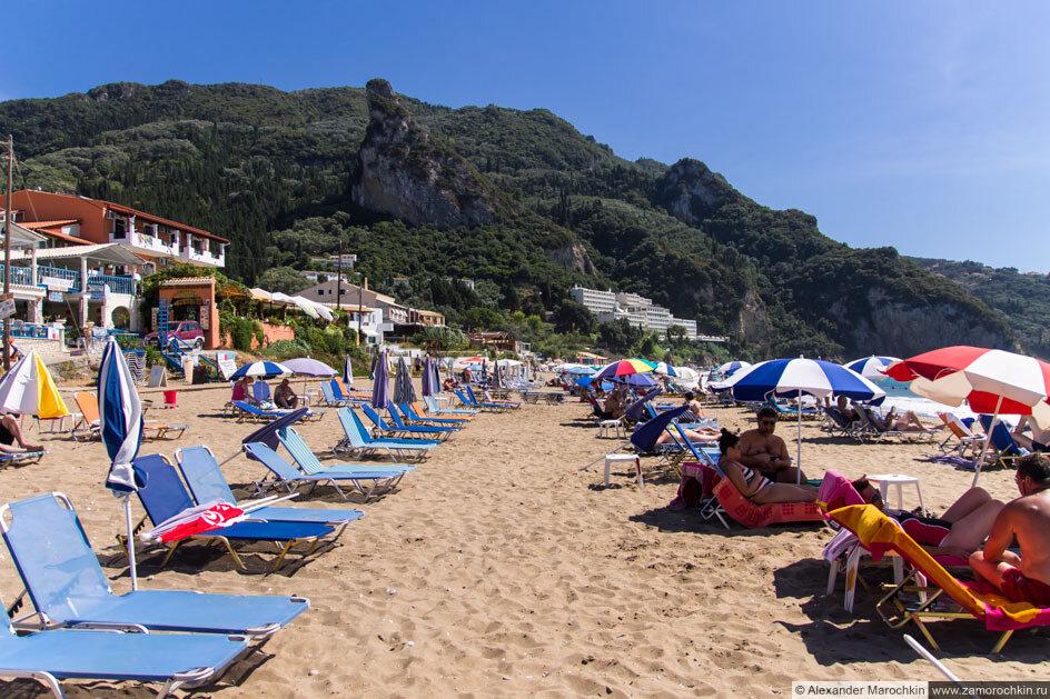 Пляж в посёлке Агиос Гордиос, Корфу