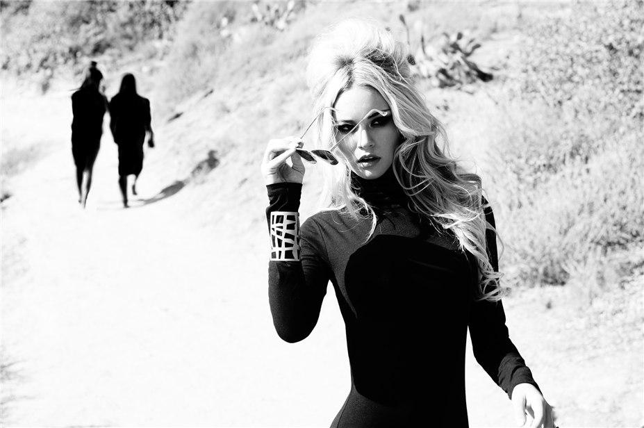 Вооружена и очень опасна - Брайана Холли / Bryana Holly by Solmaz Saberi