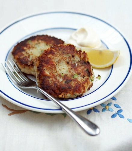 Рыбные котлеты с лососем и картофелем