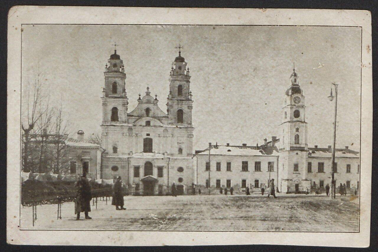 Церковь Святой Марии и ратуша