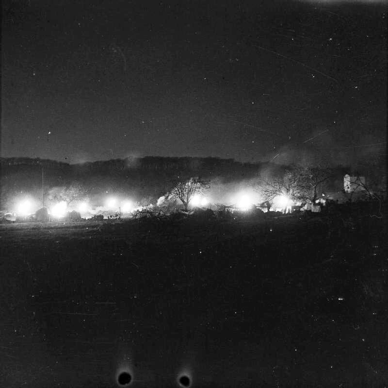 Monte Camino November - December 1943: 25 pounder guns of 146 Field Regiment, Royal Artillery in action on the night of the start of the second assault on Monte Camino.NA 9299Part ofWAR OFFICE SECOND WORLD WAR OFFICIAL COLLECTIONNo 2 Army Film