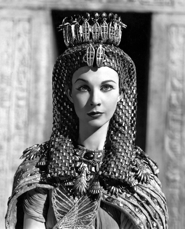 1945: Vivien Leigh (1913 - 1967) in her costume for George Bernard Shaw's 'Caesar and Cleopatra', directed in Technicolour by Gabriel Pascal at Denham Studios.