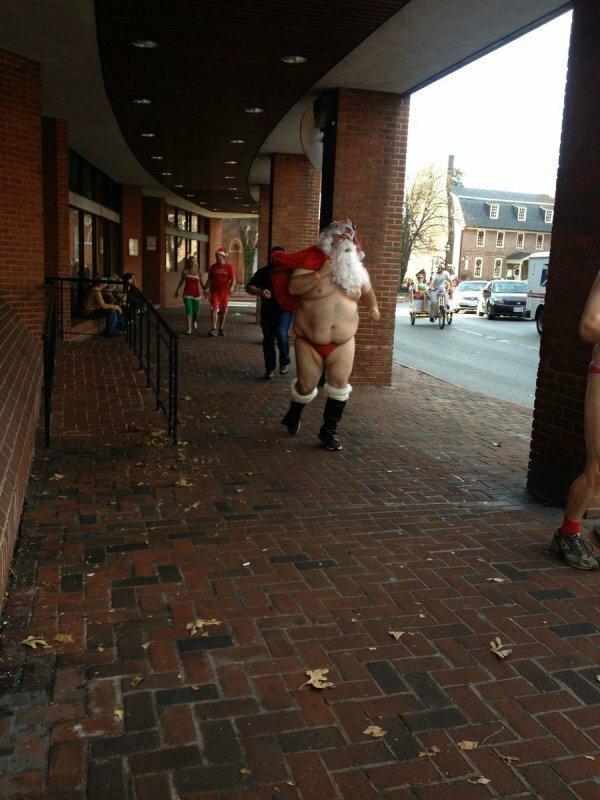 Наш Дед Мороз лучше ихнего Санта Клауса!