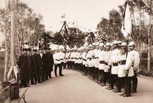 Боровская Добровольная Пожарная Дружина в городском саду. 1911 г.
