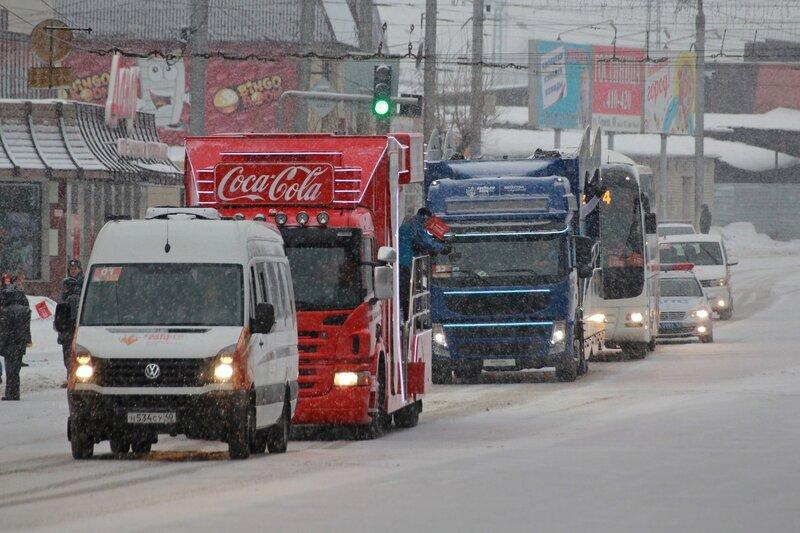 Эстафета олимпийского огня в Кирове: колонна сопровождения