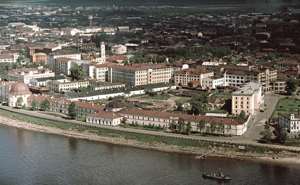 Архангельск. Набережная-Энгельск (середина 1950-х) 1000.jpg