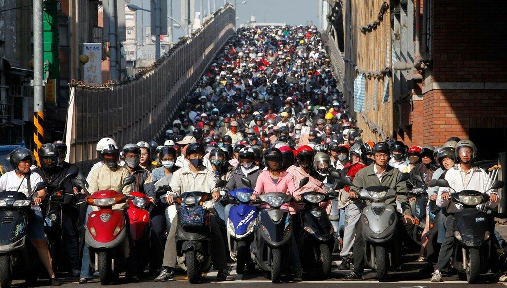 1 января численность населения Земли составит 7 млрд 137 млн 577 тыс 750 человек