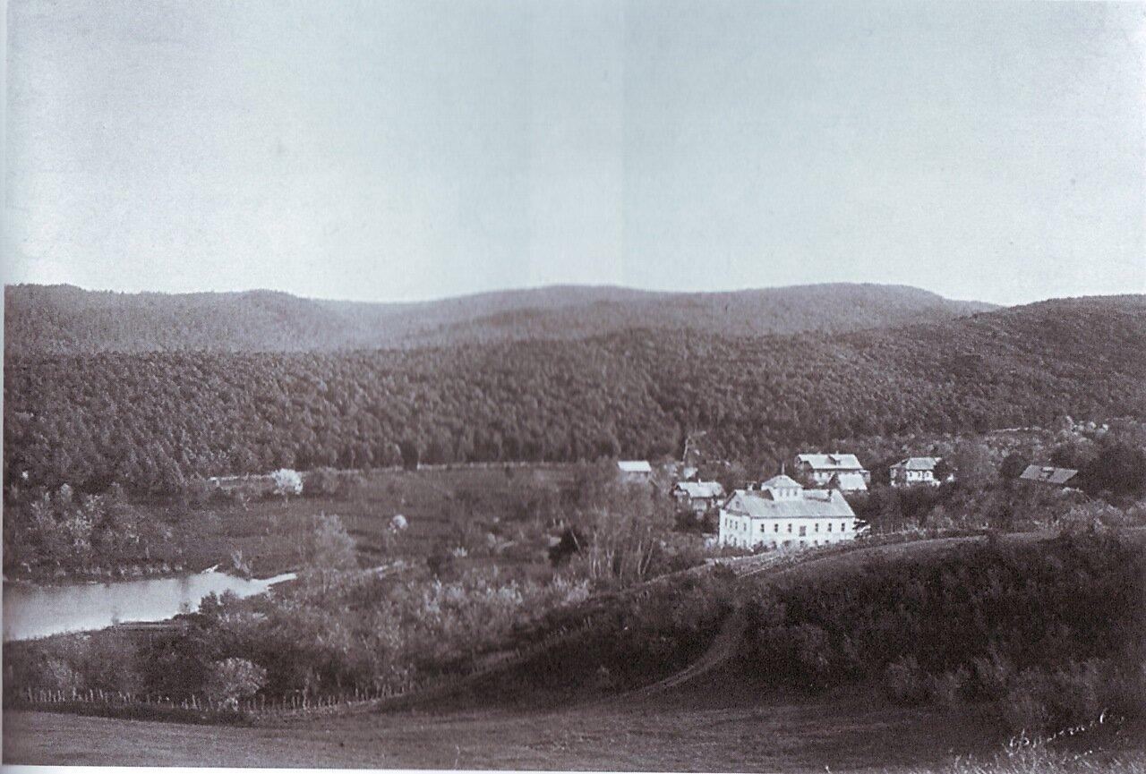 Вид на старообрядческий мужской монастырь с северной стороны