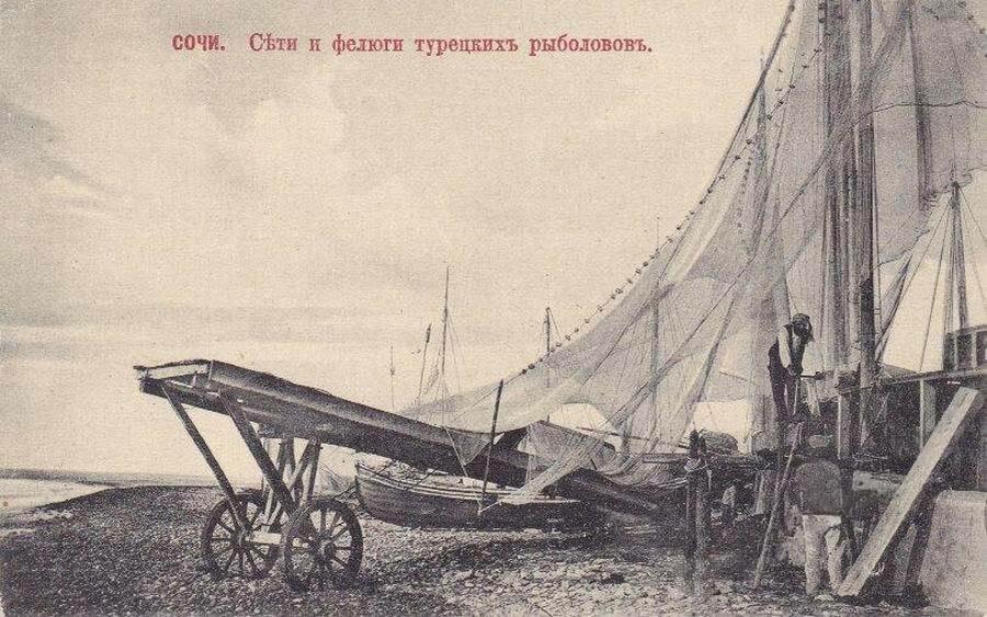 Сети и фелюги турецких рыболовов