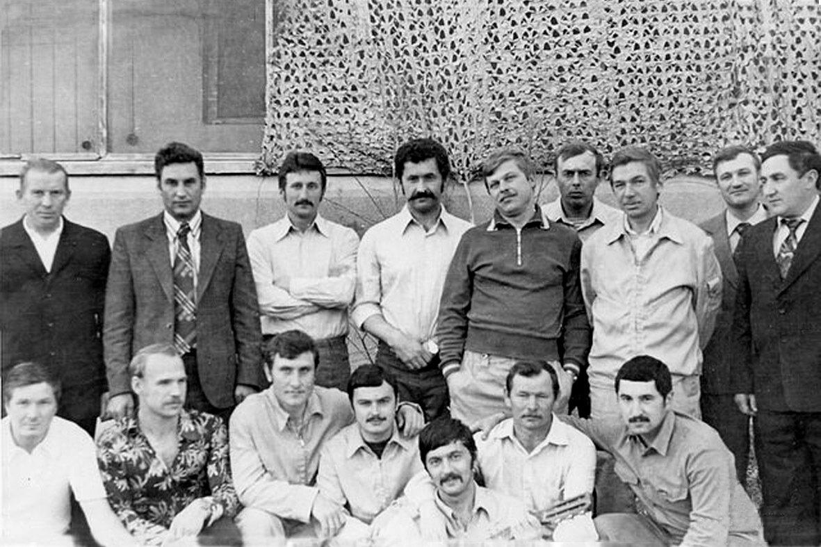 1981. Сирия, Тифор. Тимощенко,Гордеев и их бойцы возле 33-го модуля