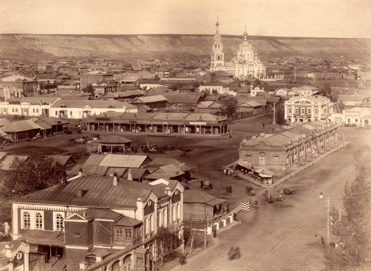 Вид на центральную часть города с колокольни Успенской церкви