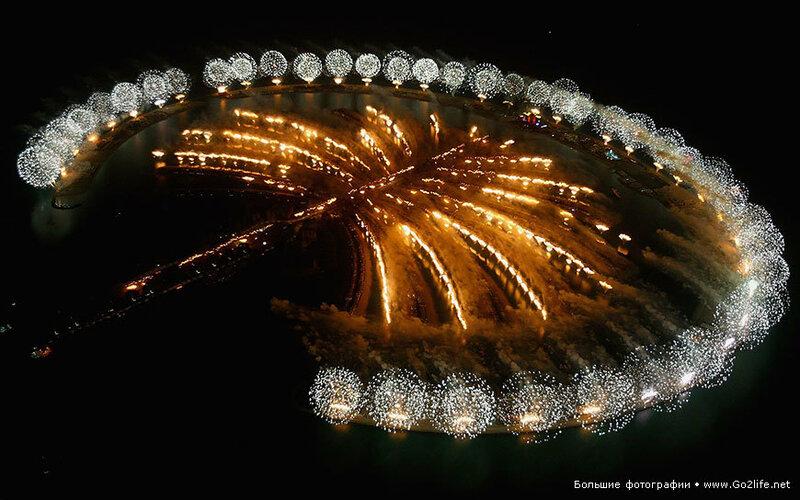 Вот так с размахом отпраздновали Новый 2014 год во всем мире!
