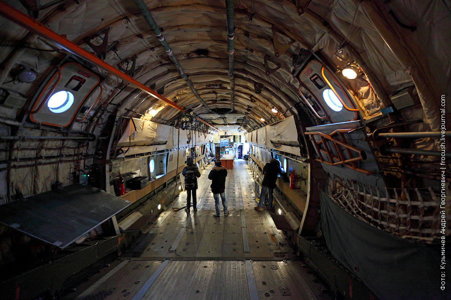 Грузовая кабина Ил-76