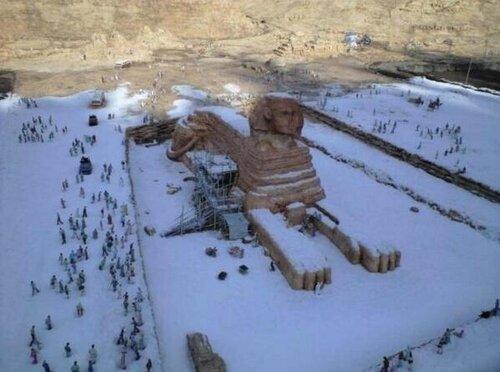 В Египте впервые за 122 года выпал снег.