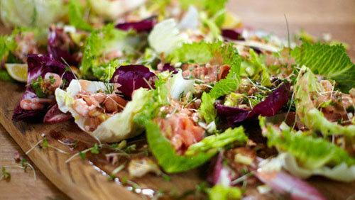 Рецепты к Новогоднему столу. Новогодний салат с морепродуктами