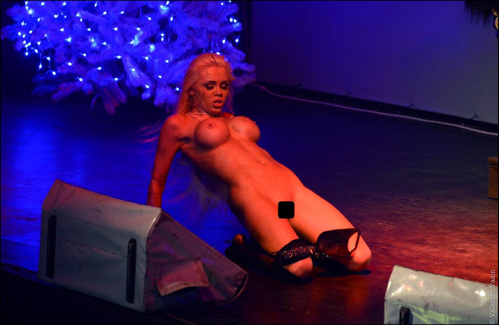 видео фото с выступлении голая катя самбука