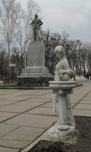 Заказать памятник в сасовое цены на памятники в симферополь метро