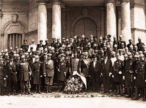 Члены Совета Императорского Росийского Общества, попечители пожарных Обществ и представители пожарных частей.