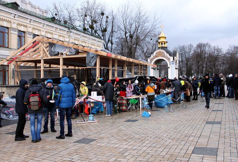 Пункт питания в Михайловском монастыре