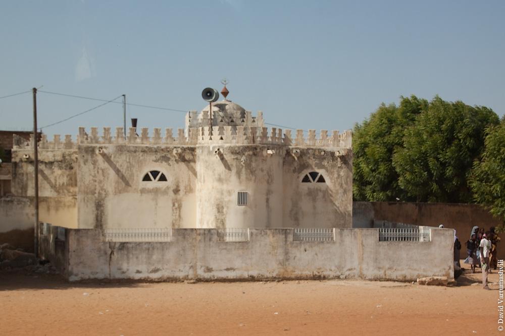 Сенегал, Дару Мусти.