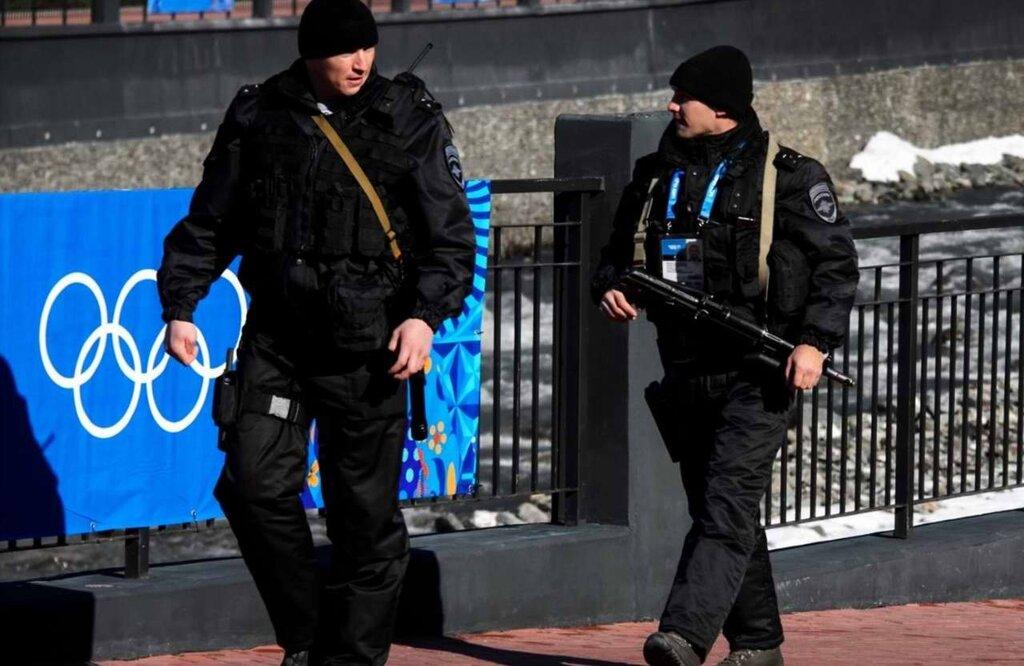 Полицейские патрули на улицах города (5)