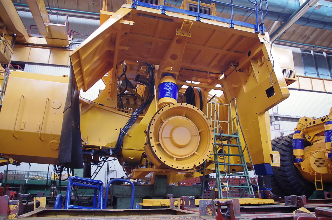 0 9288f b11032df orig Как делают гигантов    БелАЗы.