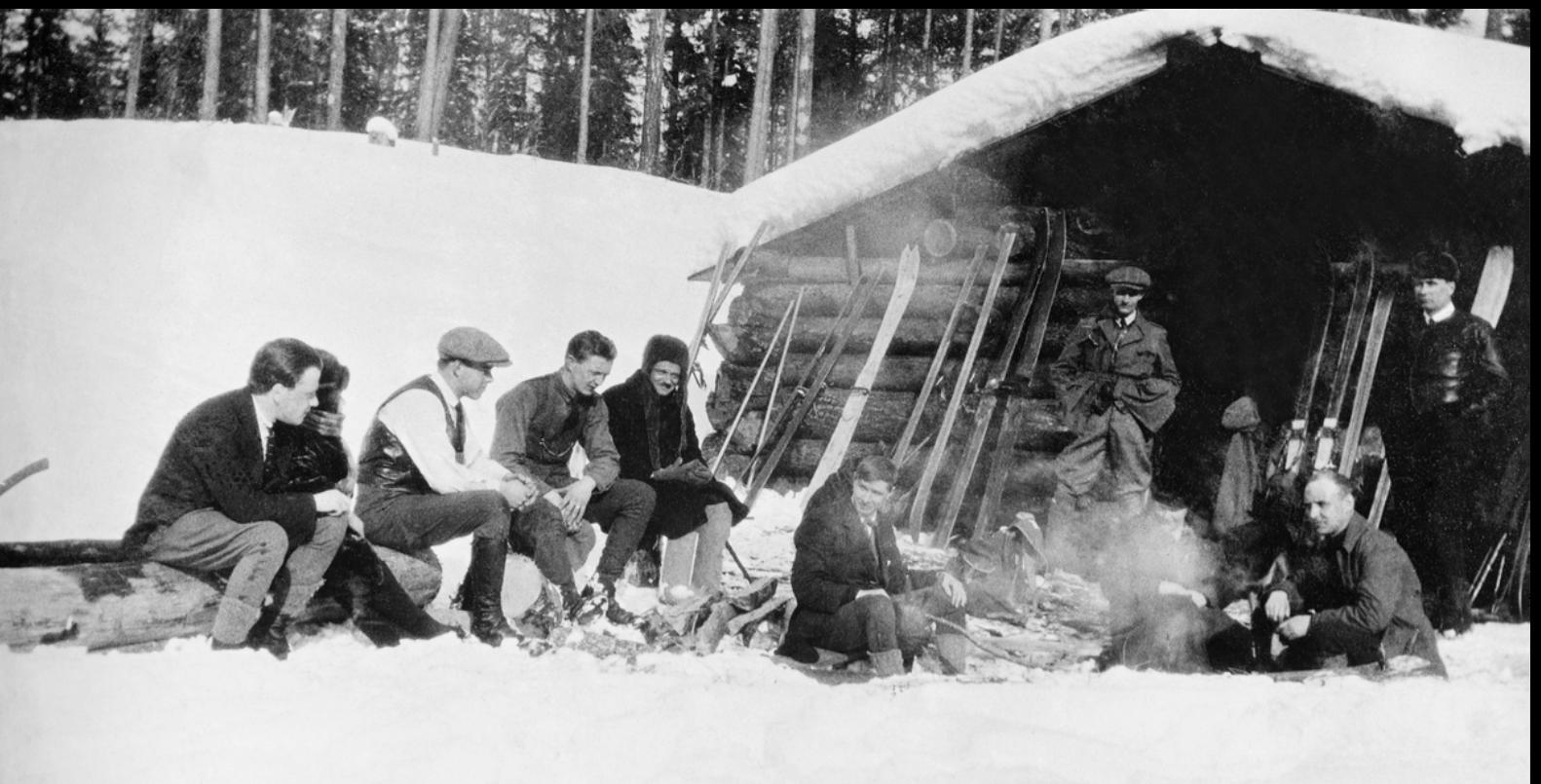 Скандинавы, работавшие на лесопилках в начале 1900-х годов, держались вместе, регулярно катаясь на лыжах