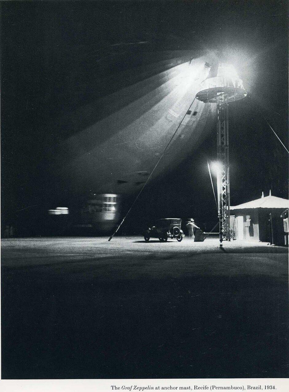1934. «Граф Цеппелин» у якорной мачты, Ресифи, Бразилия