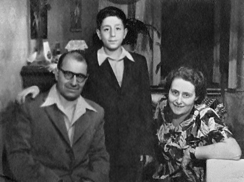Alexey Maksimovich Fridman and his parents: Maksim Efimovich Fridman (surgeon, MD/Ph.D./Sci.D.; 1903–1990) and Felitsia Yakovlevna Sheinbaum (economist, 1907–1999) early 1950s