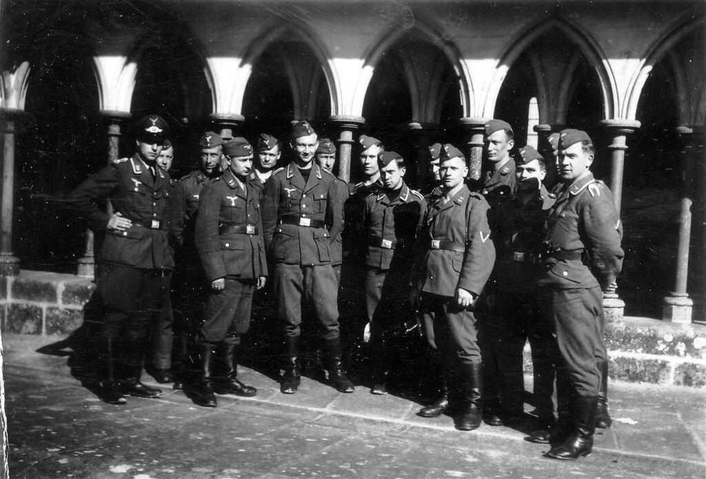 1941-1944 120
