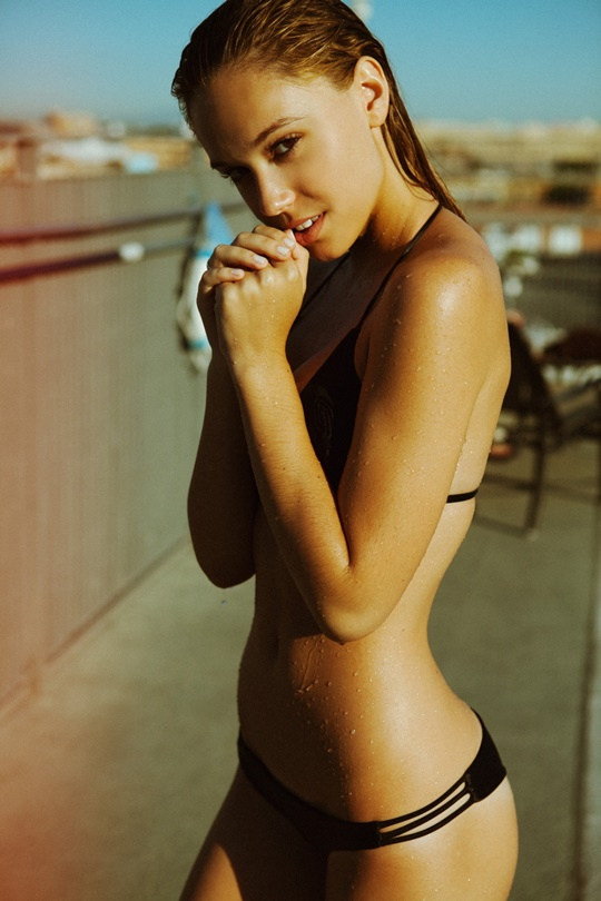 Красивые фотографии молодой модели Алексис Рен 0 142373 8be098c6 orig