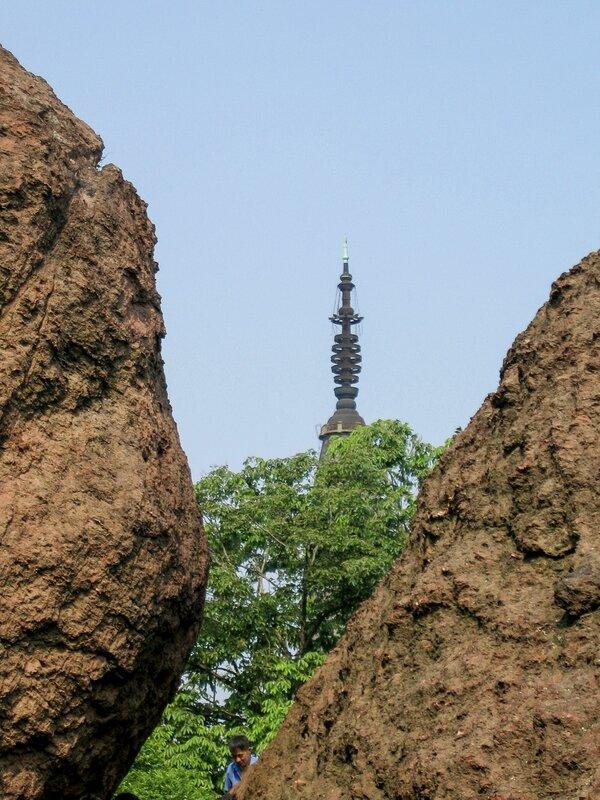 Пагода Баочу и камни горы Баоши, Ханчжоу