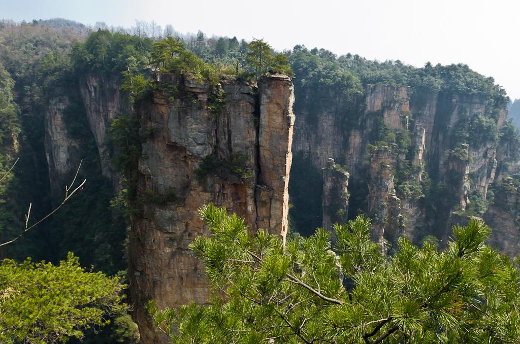 Фото 8. Одно из самых красивых мест в горах Zhangjiajie National Forest Park - смотровая площадка Shentang Bay. Если думаете, что посмотреть в Чжанцзяцзе, то сюда точно нужно попасть