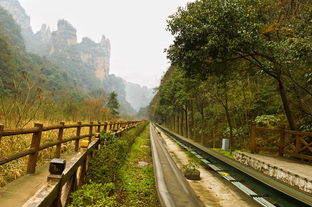 Фото 5. Самостоятельный тур по Китаю. Монороельс для минипоезда к обезьянкам в национальном парке Чжанцзяцзе