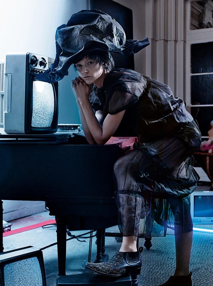 -В темноте- с Сашей Пивоваровой / Sasha Pivovarova by Craig McDean in Interview march 2014 - Into the Darkness