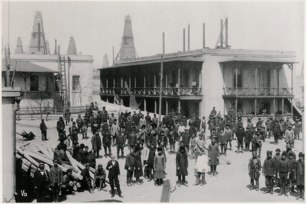 Сотрудники предприятий Нобеля в Баку