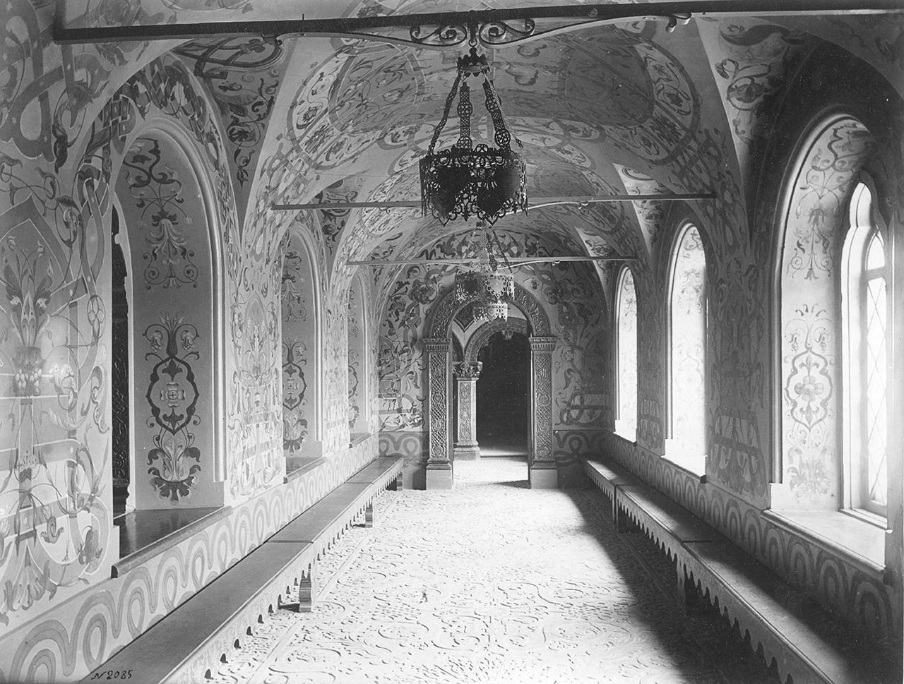 Парадный коридор в Теремном дворце