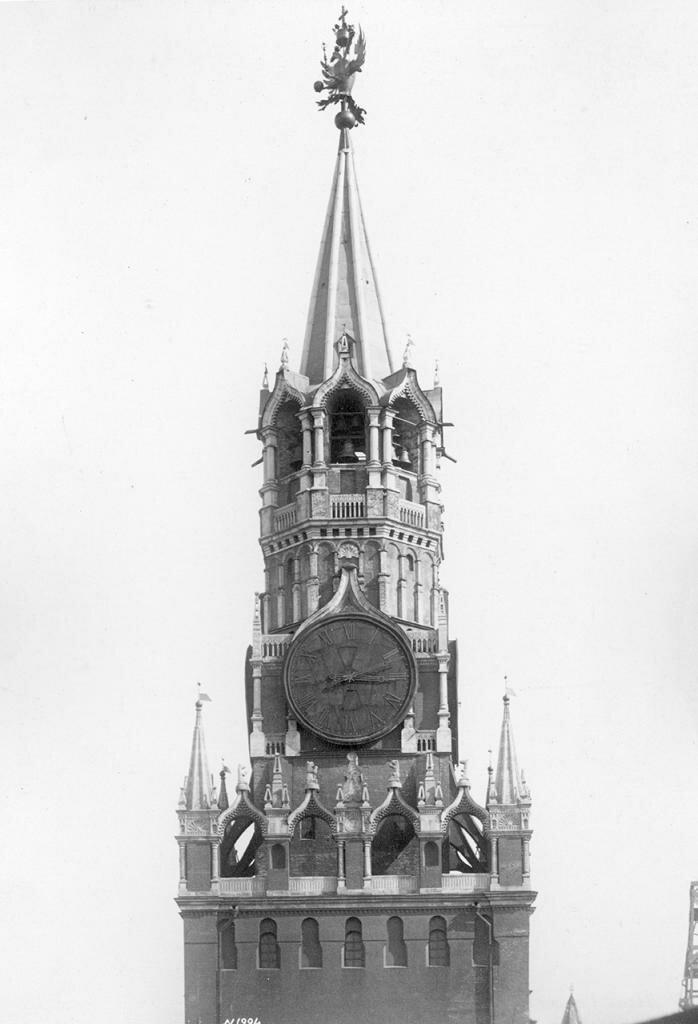 Спасская башня. Верхняя часть